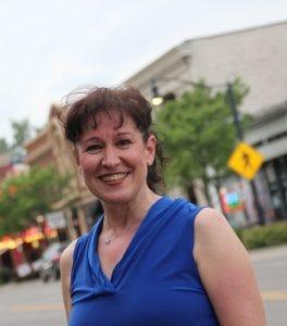 Dewan Sekolah Umum Farmington memilih Cheryl Blau, dalam foto, untuk menggantikan Pam Green, yang pernah menjadi presiden panel.