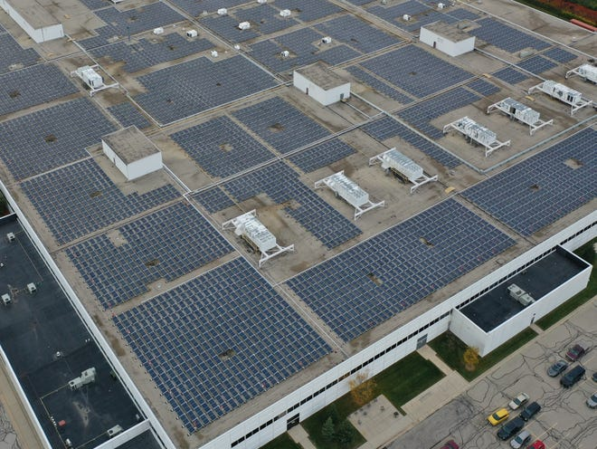 We Energies' record-breaking project has created nearly 8,400 solar panels on Harley-Davidson's Pilgrim Road facility in Menomonee Falls.