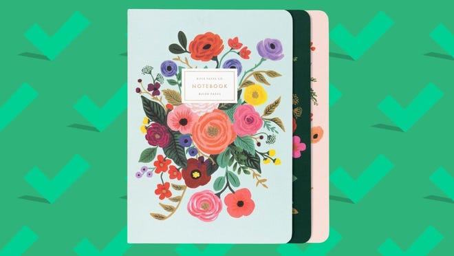 Los mejores regalos para esposas 2020: Rifle Paper Co. Stitched Notebook Set.