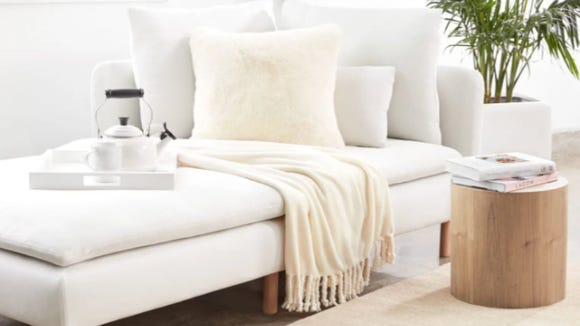 Best gifts for wives 2020: Nordstrom's Bliss Plush Throw.