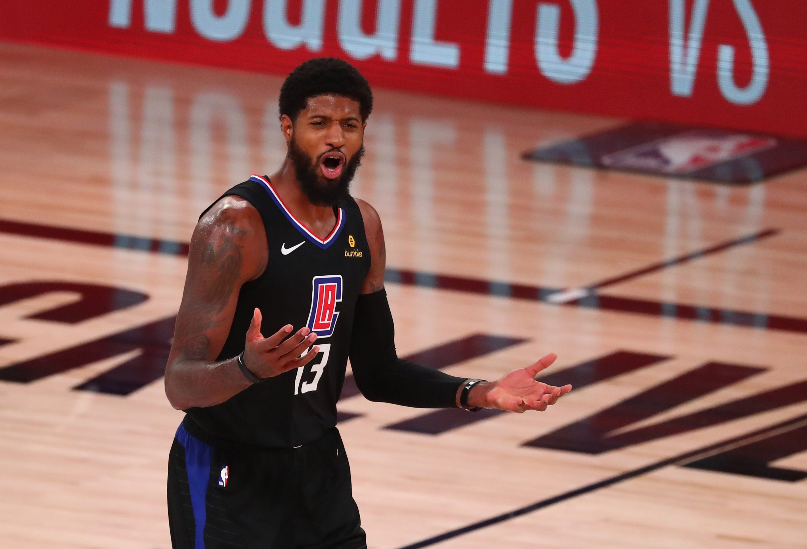 Paul George signs on for four more years at $190 million with Clippers