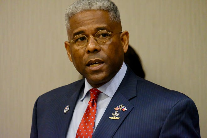 Texas GOP Chairman Allen West speaks at a Friday news conference in Georgetown.