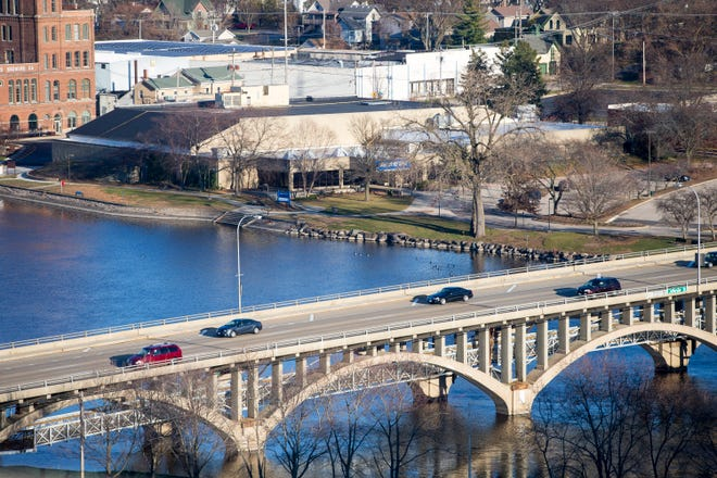 The Riverview Ice House and the Jefferson Street bridge, seen from the Talcott Building in Rockford. The Rockford Park District has asked Ice House supporters to raise $2.5 to $3 million to renovate the facility and contribute up to $200,000 a year to cover operating costs.