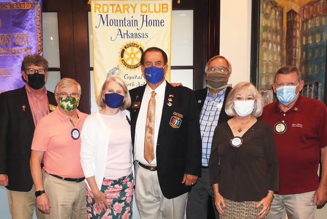 Pictured above are Major Donors Stewart Brunner; Bruce and Marilyn Loveless; District Governor and Major Donor Jay Craig from Bristow, Okla.; David Matty, and Level 3 Major Donors Brenda and Larry Nelson.