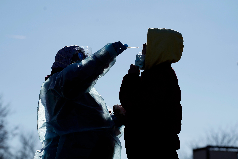 Coronavirus live updates: Authorization of Pfizer vaccine expected Friday night; FDA chief disputes reports that White House threatened job