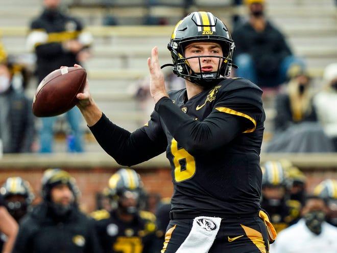 Missouri quarterback Connor Bazelak (8) throws a pass against Georgia this season. Bazelak took home SEC co-freshman of the year with Auburn running back Tank Bigsby.