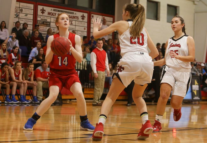 Berry's Zoe Mauldin (14), shown in the 2018 AHSAA Class 1A area championship game against Holy Spirit, scored 13 points and made 7 rebounds in Berry's 50-43 win against Pickens County on Dec. 8, 2020.