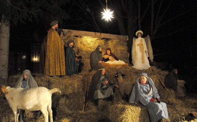 A live nativity with the story of Christmas using a combination of animals, scripture reading, song and candlelight will take place Dec. 23, at 6:30 p.m. at the Savannah Ball Fields, which are located on State Route 545.