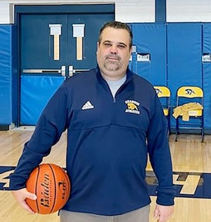 Evan Barringer has been hired to succeed Ryan Burnett as head coach of the Quabbin girls' basketball team. It will be his second stint with the team as Barringer previously coached the Panthers from 2003-2006.