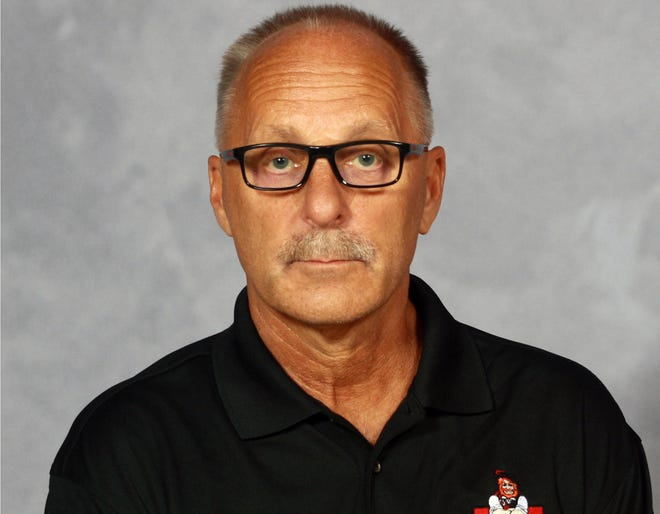 Monmouth College swim coachTom Burekdied on the afternoon of Saturday, Dec. 12, of complications of COVID-19. He was 62.