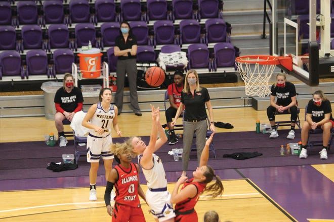 Danni Nichols shoots the ball against Illinois State during Sunday's game.