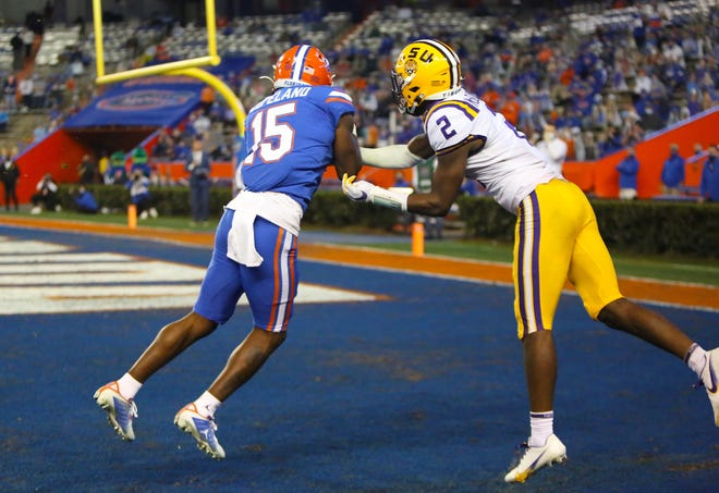 Florida receiver Jacob Copeland catches a touchdown pass Saturday against LSU at Ben Hill Griffin Stadium.