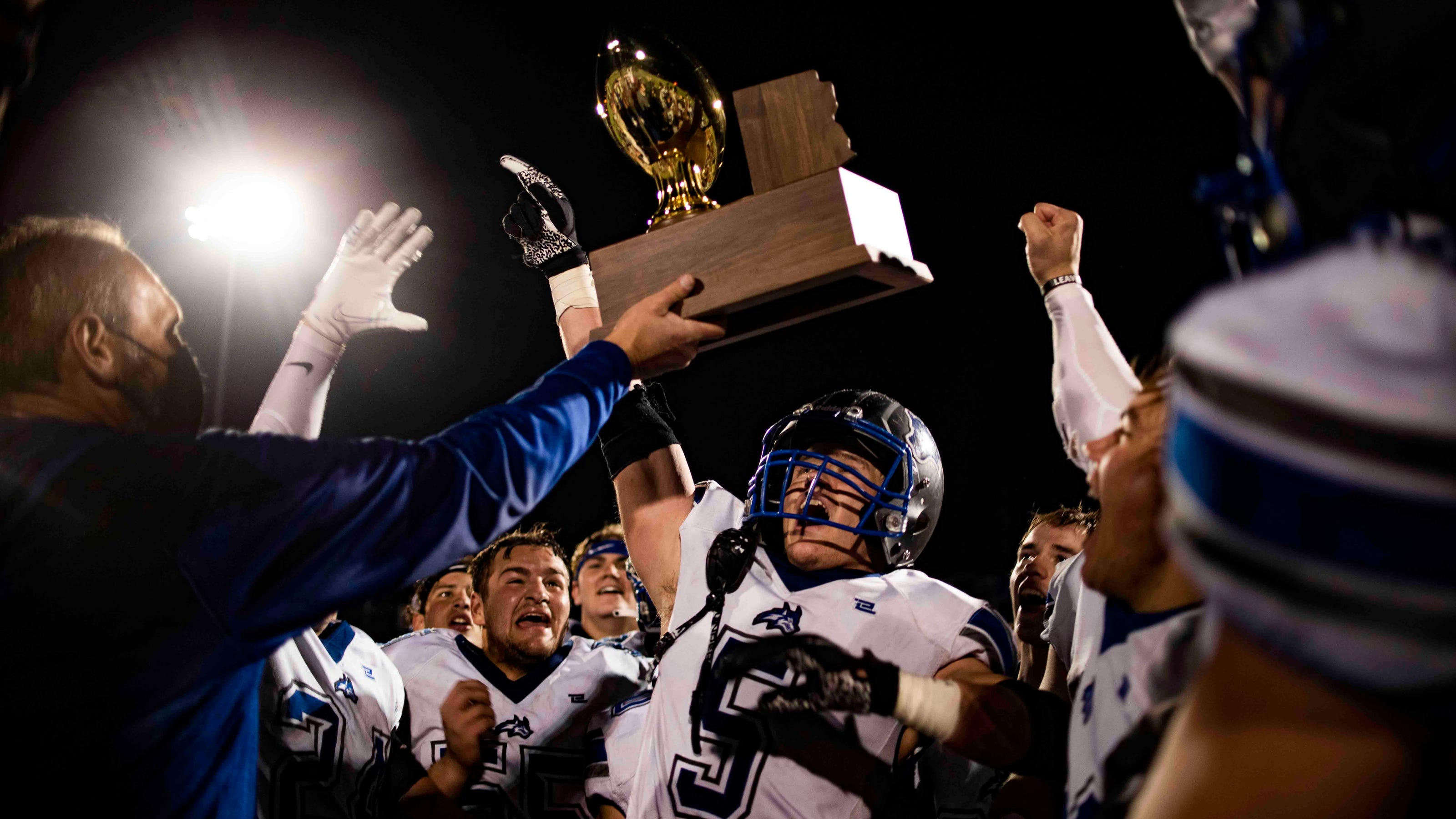 Snowflake routs Yuma Catholic to win its first 3A state championship since 1993