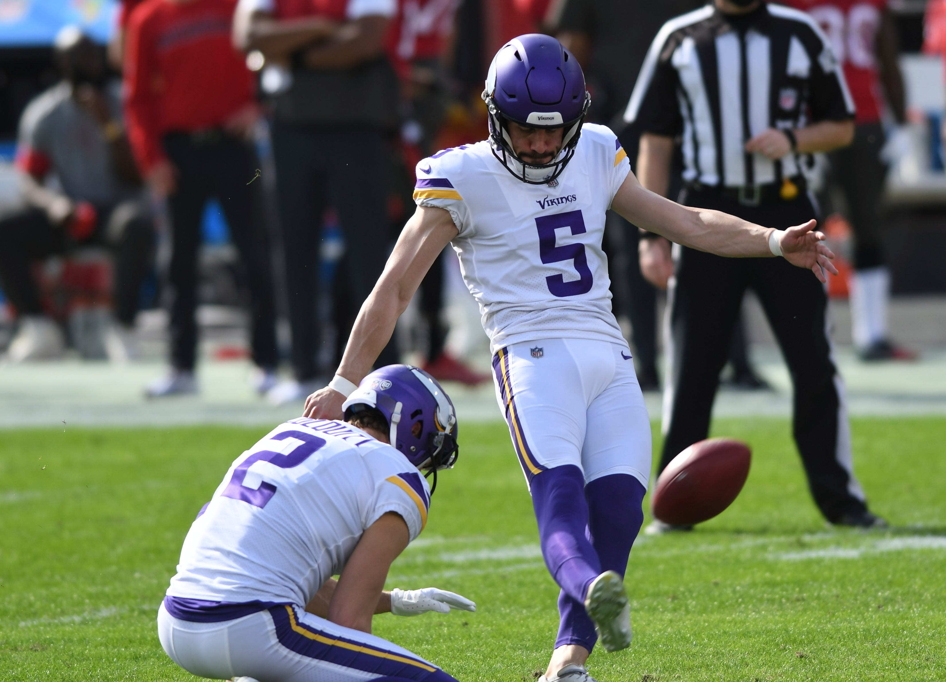 Minnesota Vikings place kicker Dan Bailey misses four kicks in loss against Buccaneers