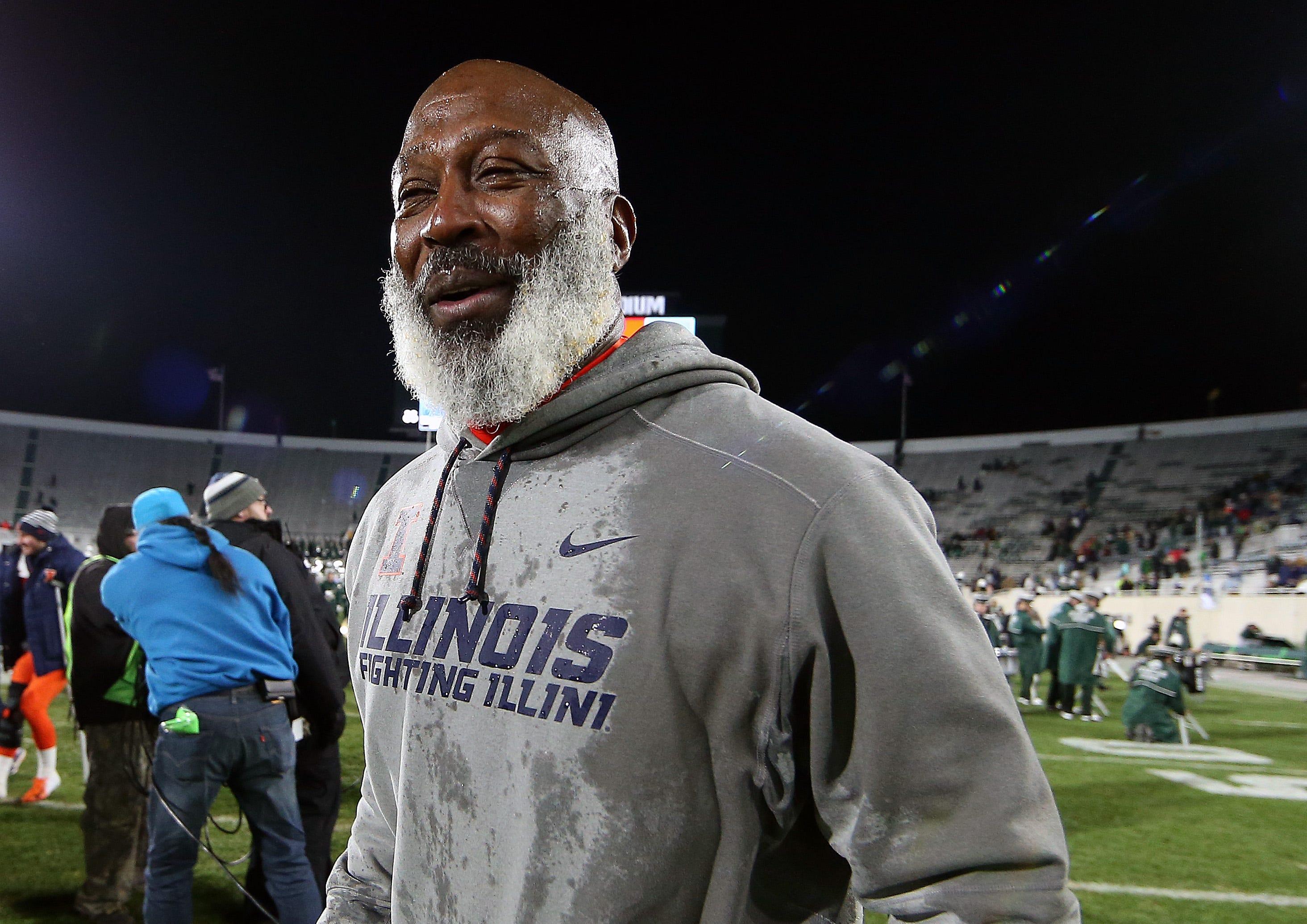 Illinois fires head coach Lovie Smith after five seasons