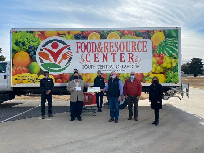 Members from the team at Dollar General Ardmore Distribution Center presented the Food and  Resource Center of South Central Oklahoma with a $10,000 check on Monday afternoon. The donation came as a surprise to the Food and Resource Center who were not expecting the donation.