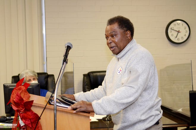 Donaldsonville Mayor Leroy Sullivan delivers a State of the City address during the Dec. 8 council meeting.