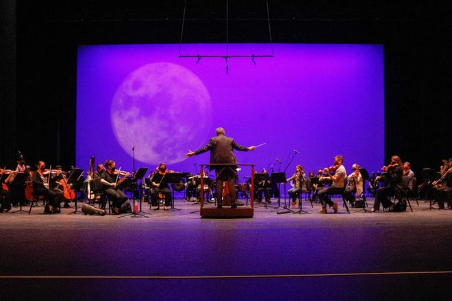 The Palm Beach Symphony will take the stage on Nov. 7 to debut its new 2021-22 season to a full audience. The last concert of the current season scheduled for Saturday, will be dedicated to the organization's board president Dale Archer McNulty who passed away last month.