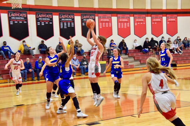 Ballinger's junior point guard, Jenna Battle, pulls up for a jumper against the Veribest Falcons on December 8th.