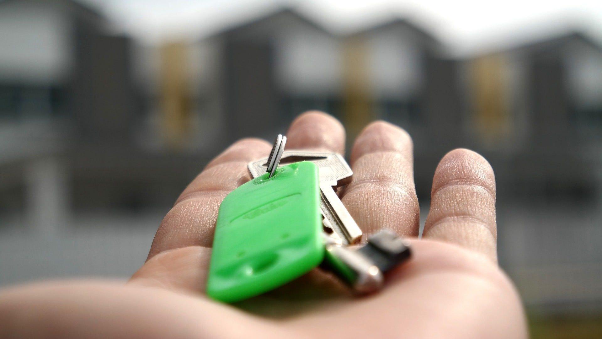 a1237048 fc2f 4ff4 af12 dca33ebc3c22 Real Esate House buy jpg?crop=1919,1080,x0,y97&width=1919&height=1080&format=pjpg&auto=webp.