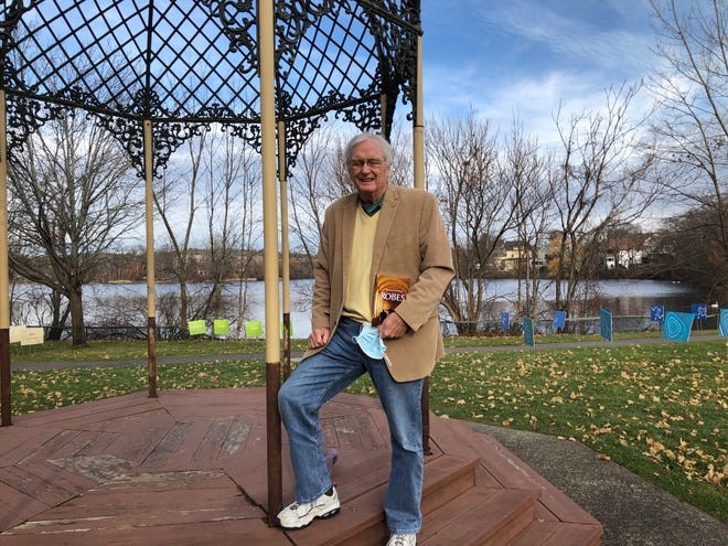Former Melrose resident Tim O'Leary has written the second of his Connor McNeil mysteries. The Wakefield resident says it's exciting to have the novel out.