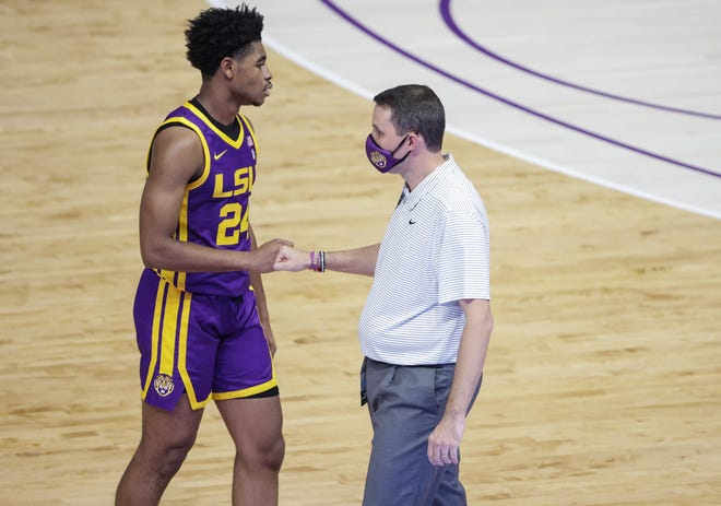 Nov 30, 2020; Baton Rouge, Louisiana, USA;  LSU Tigers head coach Will Wade and guard Cameron Thomas (24) during the first half against the Southeastern Louisiana Lions at the Pete Maravich Assembly Center. Mandatory Credit: Derick E. Hingle-USA TODAY Sports