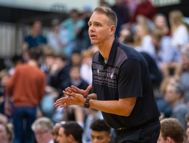 After his squad opened the season with a loss, Round Rock basketball coach Brent Murphy has led the Dragons to seven consecutive wins, including victories over powerhouse teams in Manor and Hendrickson last week.