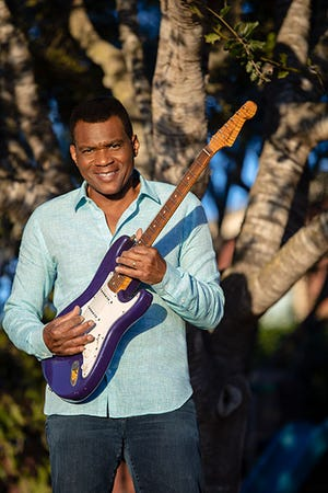 Robert Cray has booked a show at the Ponte Vedra Concert Hall for November.