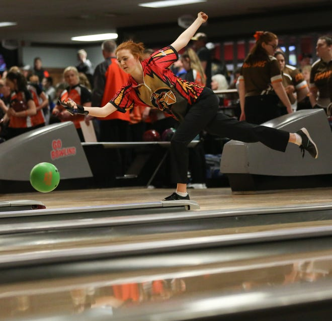 Senior Hope Nyland and the Worthington Christian girls bowling team have set a goal of earning a second consecutive berth to the Division II state tournament.