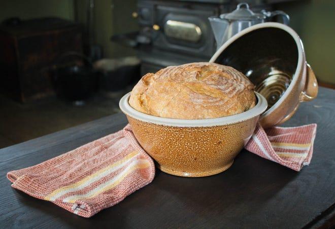 Roti berlapis garam ini dijual seharga $ 80 di The Henry Ford, dan menciptakan roti yang ringan dan lapang.