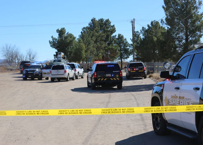 Doña Ana County sheriff's deputies investigate a fatal shooting in the 5400 block of Shenandoah Trail on Tuesday Dec. 15, 2020.