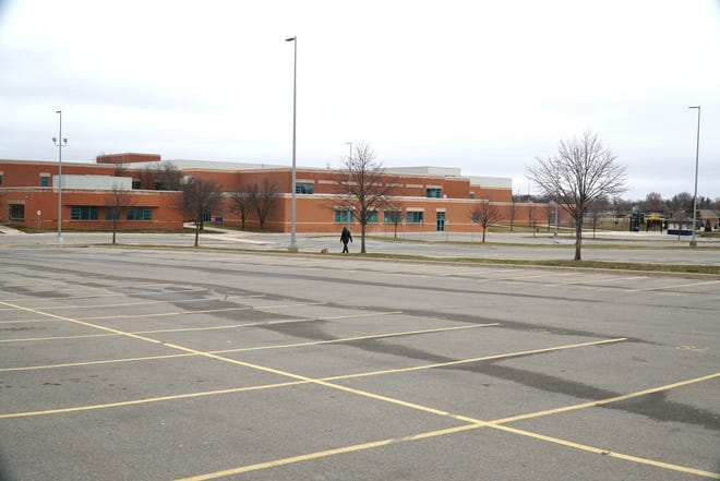 Drive-thru COVID-19 testing will occur in the South Lyon High School parking lot on April 11, 2021, a mitigation strategy for stopping the spread of the virus after spring break.