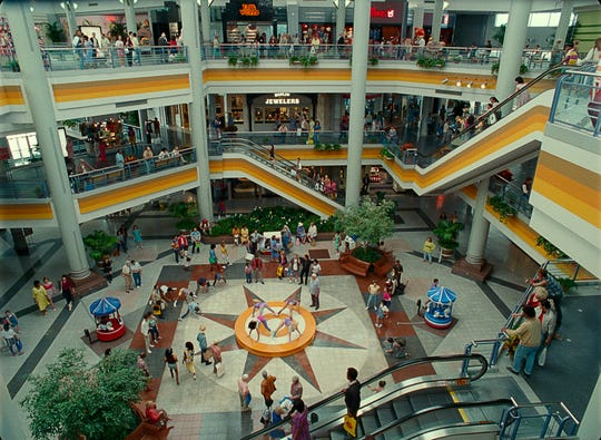"The filmmakers of ""Wonder Woman 1984"" took over an empty  Northern Virginia mall and re-created a three-level retro shopping center."