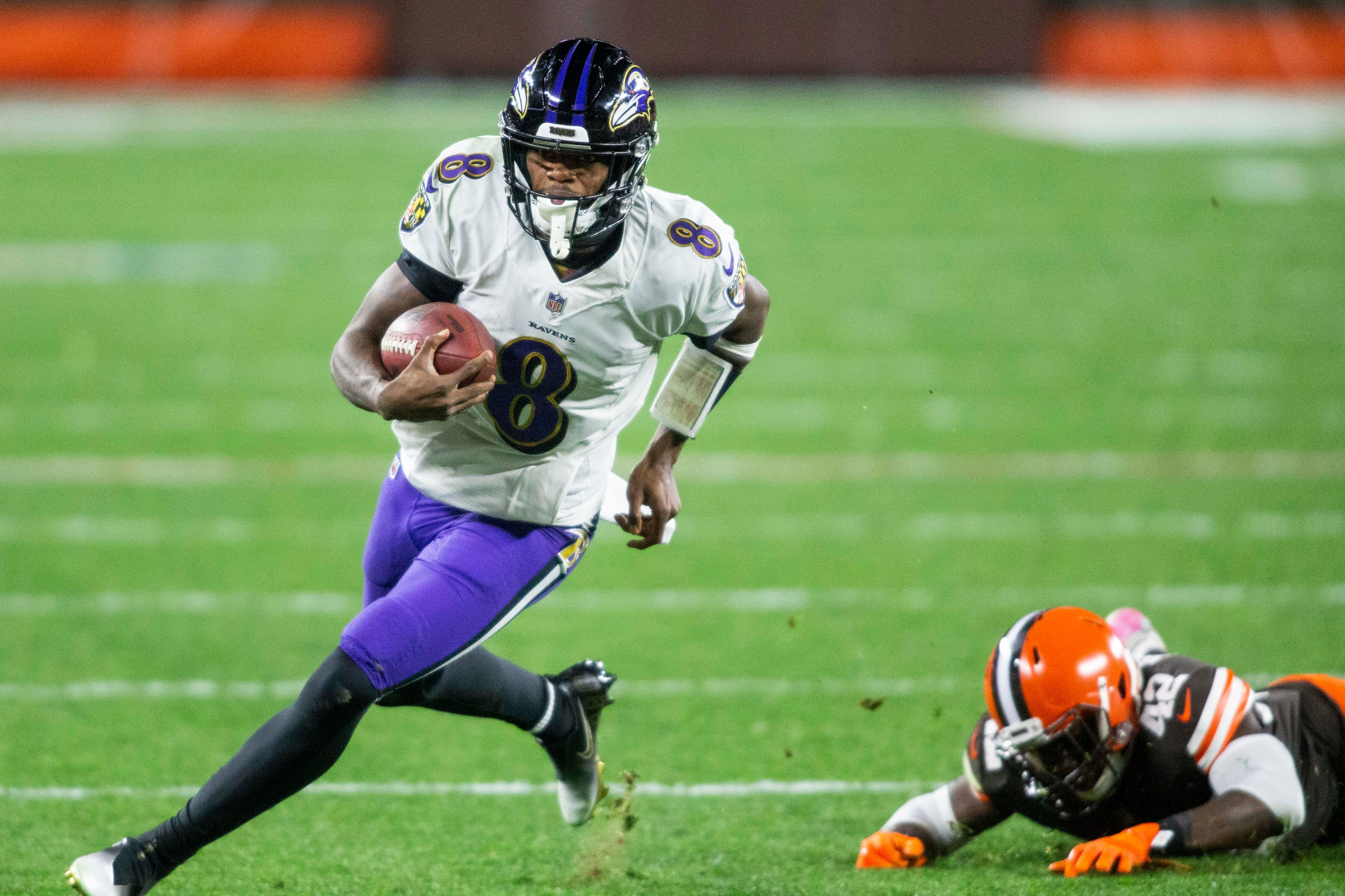 Opinion: 'This was crazy':  Lamar Jackson comes out of locker room to lead Ravens past Browns in final seconds