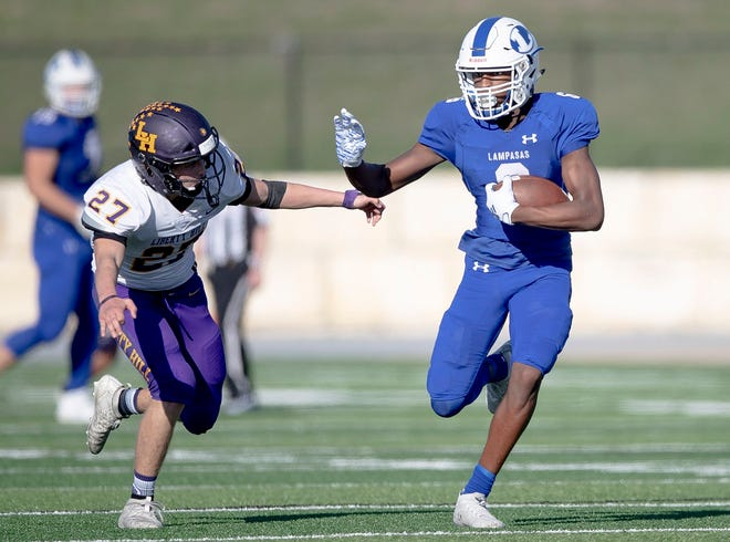 Lampasas wide receiver Michael Murray Jr. runs with the ball during a 2019 game versus Liberty Hill. Murray signed with Sam Houston State on Wednesday.
