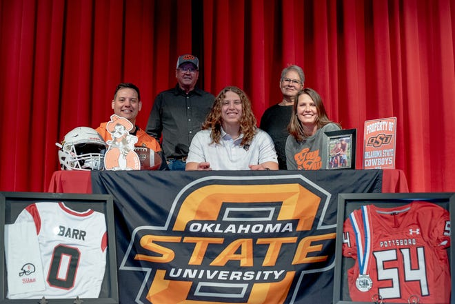Pottsboro lineman Silas Barr signed his letter of intent to play football for Oklahoma State. Barr has been an all-state selection for the Cardinals and been received multiple district Lineman of the Year honors.