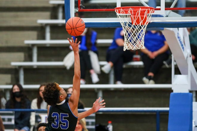 Estacado's Kiante Williams (35) shoots the ball against Frenship on Tuesday, Dec. 15, 2020, at the Tiger Pit in Wolfforth, Texas.