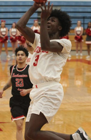 Cortez Mosely of Peoria, Ill. is one of two players from last season's Moberly Greyhounds program returning for the 2021 college basketball campaign. Mosely is recovering from an ACL injury and is hopeful to be medically cleared in time to participate in the Jan. 22 season opening contest in West Plains. Dezmond Jones of Hannibal is the other returning sophomore.