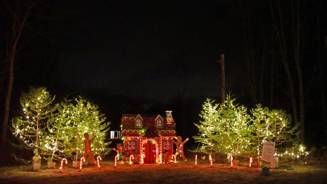 KHHT, is participating in the Holiday Trail of Lights event. Supporters can  vote for the Kennebunkport Heritage Housing Trust site at www.trailoflightsme.com.  Each vote or donation goes directly to the non-profit and enters the giver into a drawing  for three fantastic vacation packages in Kennebunkport.