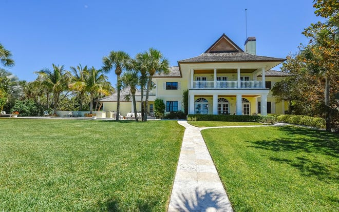The 1.6-acre Gulf-to-Bay home at 2613 Casey Key Road has four bedrooms and five bathrooms along with a pool and tennis court. (PROVIDED BY PREMIER SOTHEBY'S INTERNATIONAL REALTY)
