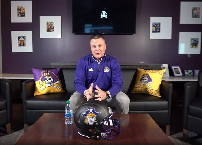 """East Carolina coach Mike Houston breaks down the program's early signees from the virtual living room used for """"in-home visits"""" with parents and recruits this season."""