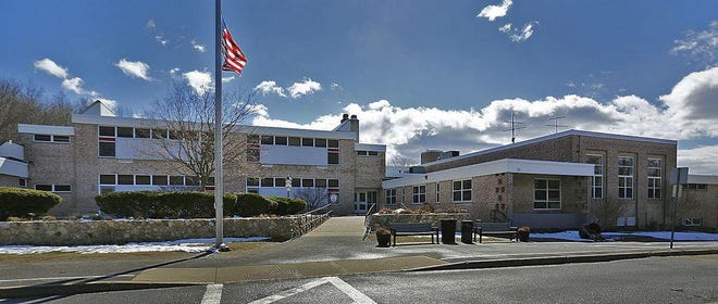 Foster School in Hingham moved one step closer to being replaced or majorly renovated, moving into the feasibility study phase with the Massachusetts School Building Authority on Wednesday, Dec. 16.