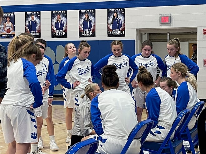 Wynford coach Amy Taylor-Sheldon talks to her team before tip-off.