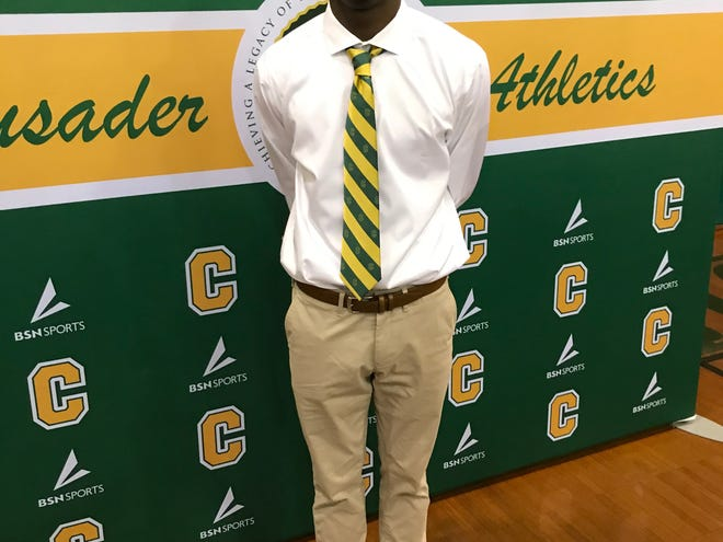 Damarius McGhee signed with the LSU Tigers on Wednesday at Catholic High School. The four-star recruit selected the Tigers over 30 over offers, which included Alabama, Miami, Tennessee and Mississippi State.