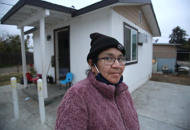 María Reyes has COVID and is quarantining at her home in Mendota-19, Calif. Saturday, Dec. 12, 2020. Photo by Gary Kazanjian