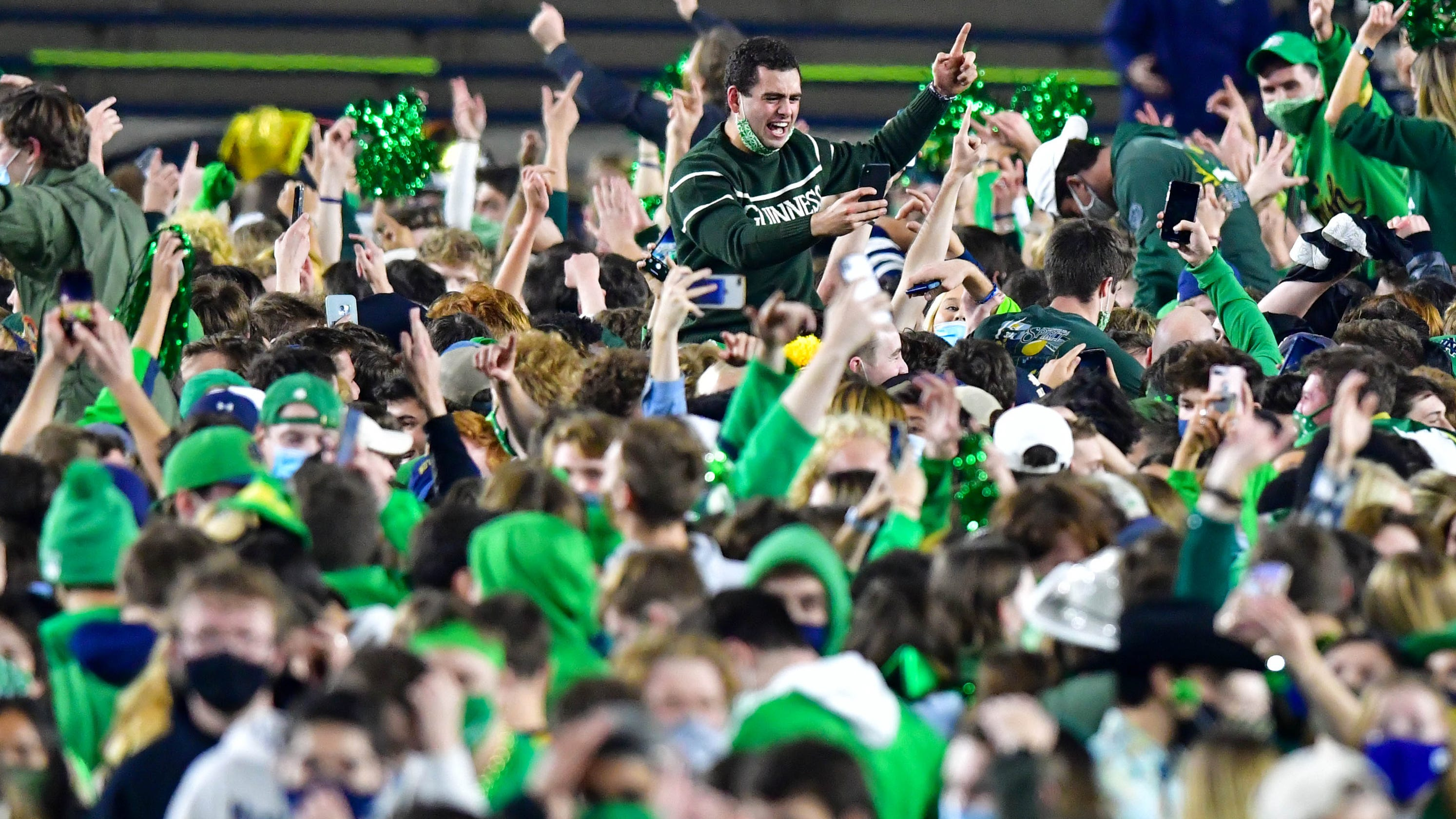 Opinion: If Notre Dame beats Clemson, College Football Playoff committee faces daunting decision