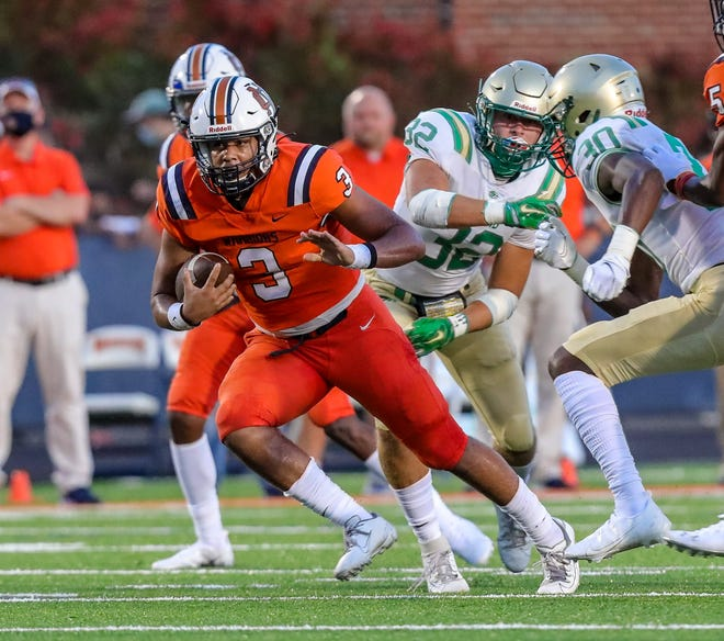 North Cobb vs Buford - North Cobb's Malachi Singleton (3) gets loose for a long gain during the Warriors' home opener, taking on the Buford Wolves.