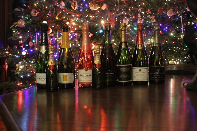 Sparkling wines pair with almost any kind of food, and can also be used before dinner, or paired with dessert. Sparkling wine also makes a fine gift for friends, family or employees.