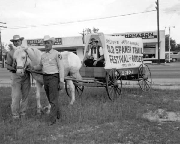Esta foto fue tomada durante el Old Spanish Road Festival en Crestview en 1959.