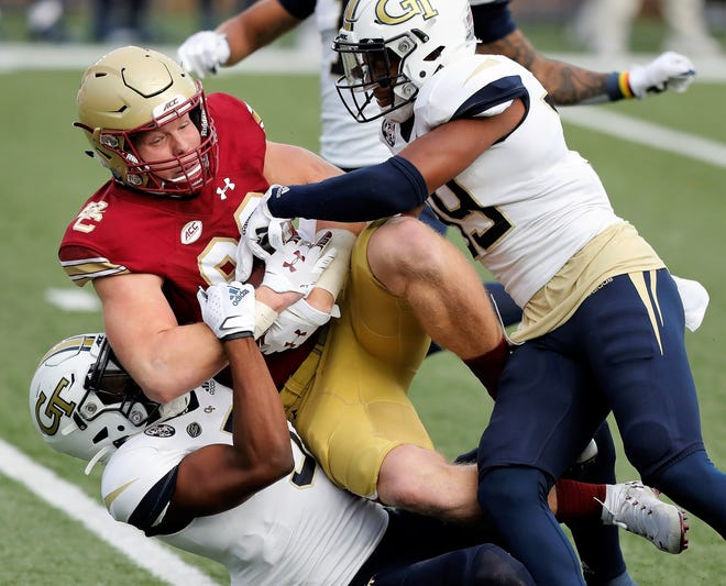 Hunter Long, an Exeter High School graduate and a redshirt junior tight end at Boston College, has declared for the upcoming NFL Draft.